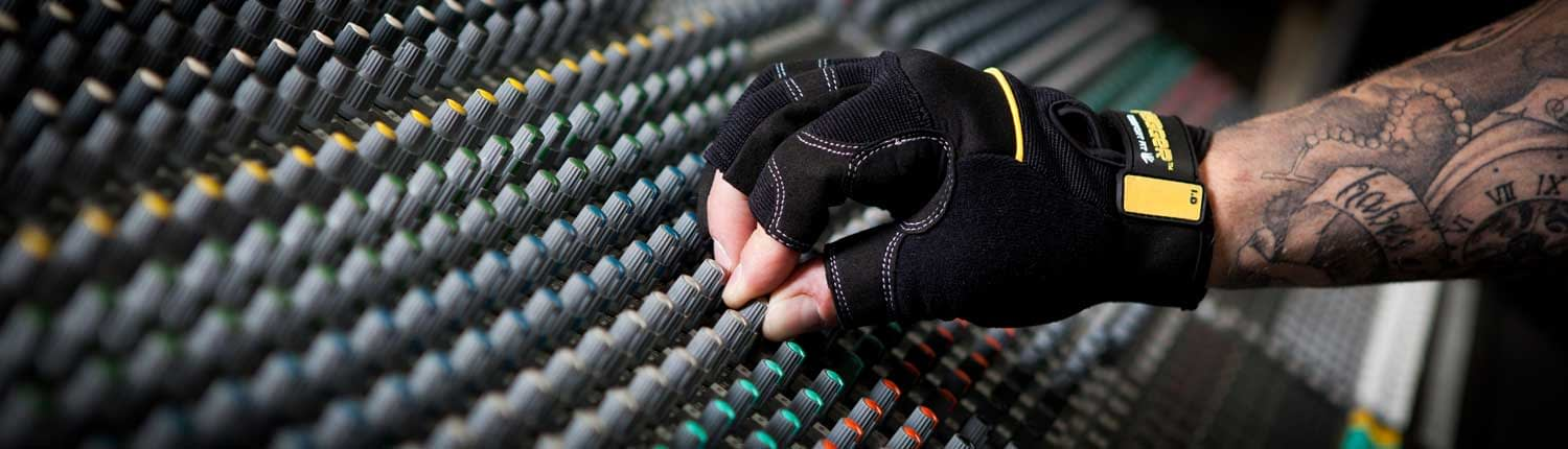 Dirty Rigger Gloves & Accessories