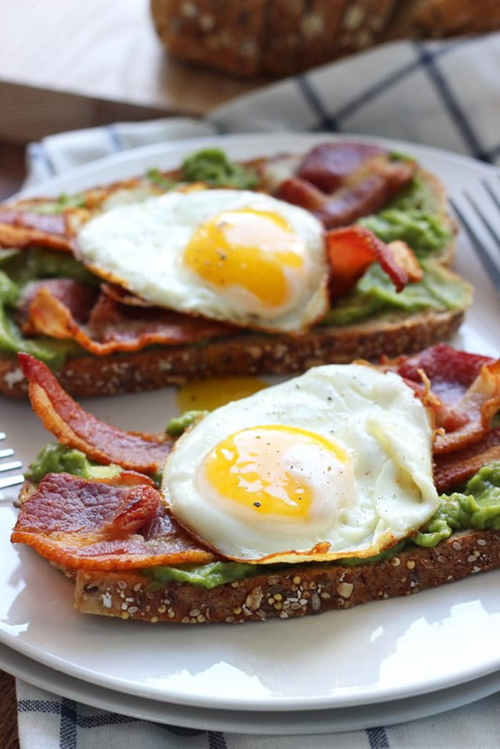 Open faced breakfast sandwich with guacamole - Recipes - Appliance City