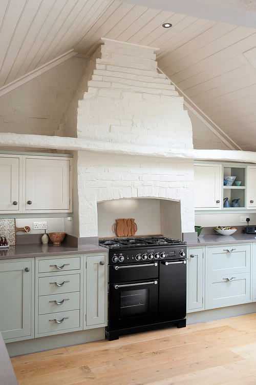 Country style kitchens: Rangemaster range cooker