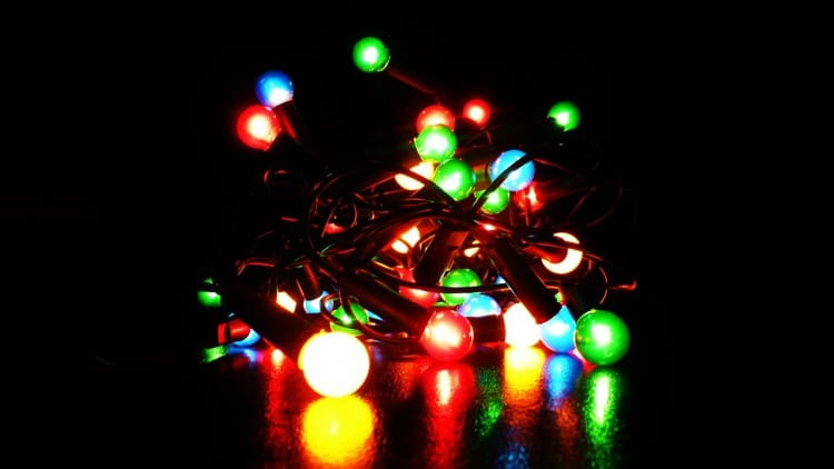 Holiday Hacks - Appliance City - Untangle Fairy Lights