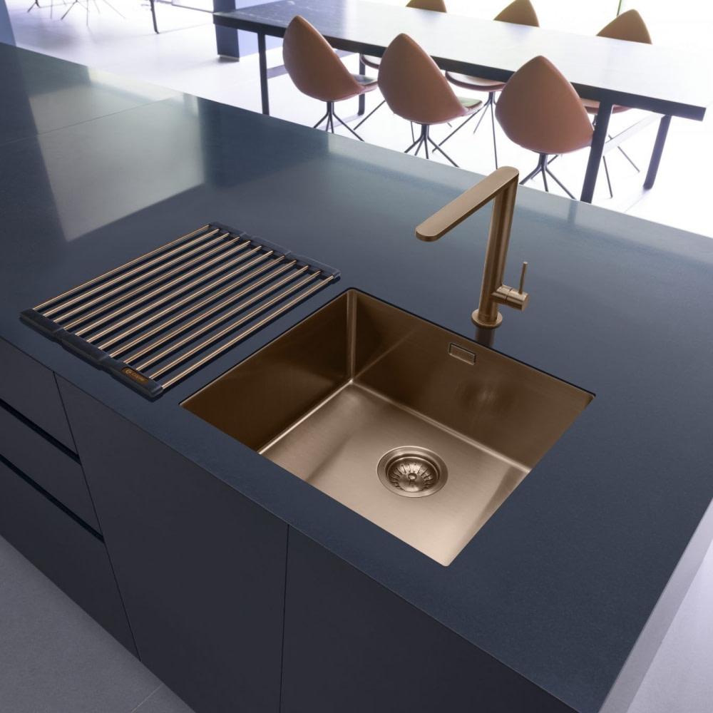 Sparkling Clean Sinks