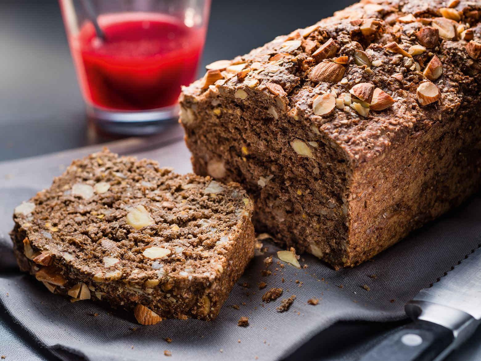 aeg_taste_steam_nut_loaf