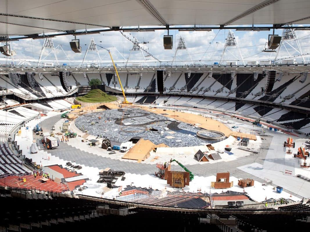 Printed Floor for London 2012 Opening Ceremony (construction - high view)